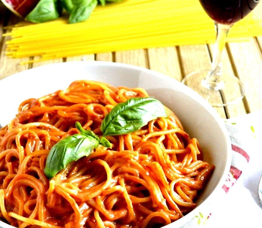 Pasta With Skinny Creamy Tomato Sauce