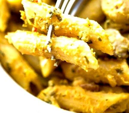 Acorn Alfredo Penne(Gluten-free & Vegan)o man. I can just taste the fall.so creamy. so delicious.Recipe here