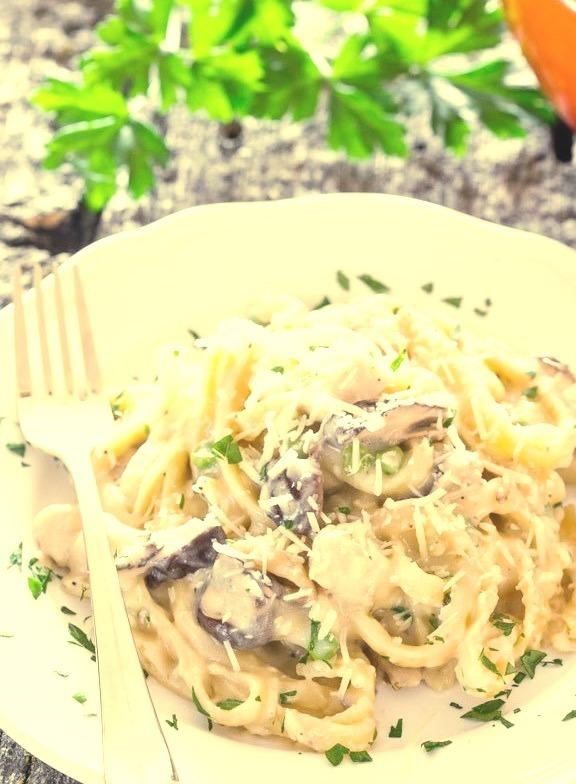 One Pot Chicken and Mushroom Tetrazzini